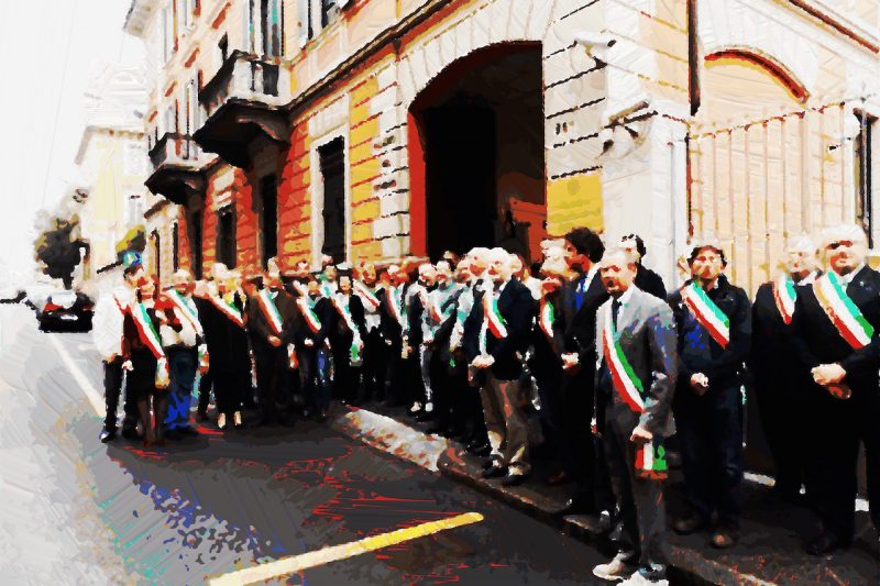 In PREFETTURA assieme a 43 sindaci per protestare contro i tagli