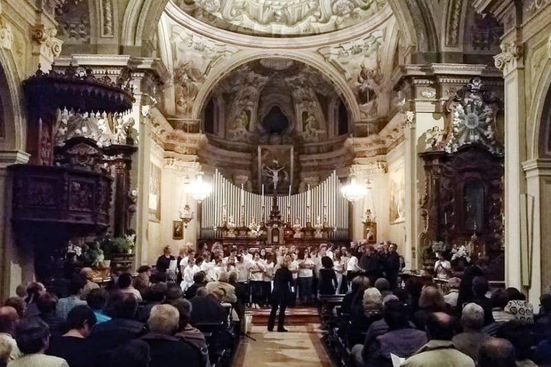 Chiesa gremita per la 34ª Rassegna di Canto Popolare